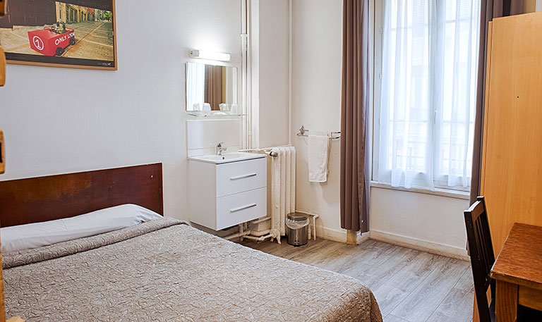 Chambre économique au centre de Lyon, hotel 1 étoile